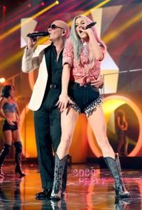 ama-american-music-awards-2013-kesha-pitbull-performance__oPt